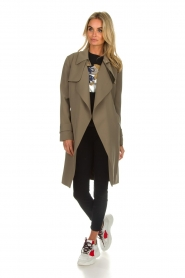 Arma |  Studio Ar trench coat Cecilia | green  | Picture 3