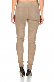 Arma | Lamsleren suède stretchlegging Roche | taupe  | Afbeelding 5