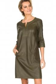 Arma | 100% lamsleren jurk Muret | kaki groen  | Afbeelding 4