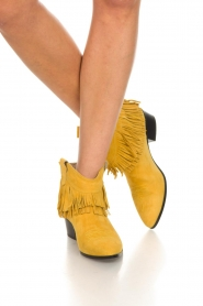 Janet & Janet |  Suede fringe ankle boots Bella | yellow  | Picture 3