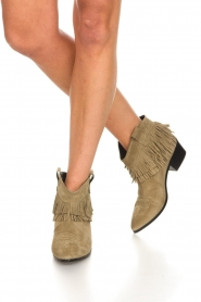 Janet & Janet | Suede fringe ankle boots Bella | taupe  | Picture 3