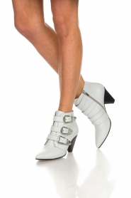 Janet & Janet : Leather ankle boots Cleo | white - img3