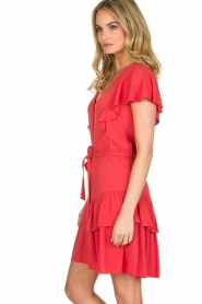 Sessun |  Dress with ruffles Mocinno | red  | Picture 4