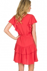 Sessun |  Dress with ruffles Mocinno | red  | Picture 5