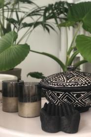 Little Soho Living |  Hand carved wooden pot Ashton | black  | Picture 3