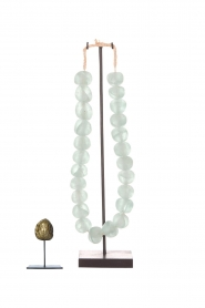 Little Soho Living |  Glass bead necklace on a stand Chloe | green  | Picture 3