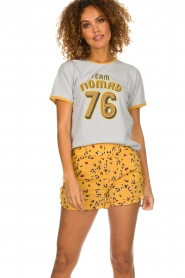 Melt |  Short with print Leopard | yellow  | Picture 2