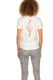 Melt |  T-shirt with print Kiss Me | white  | Picture 6