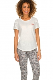 Melt |  T-shirt with print Kiss Me | white  | Picture 2
