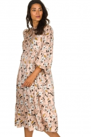 Munthe |  Floral midi dress Dull | nude  | Picture 4