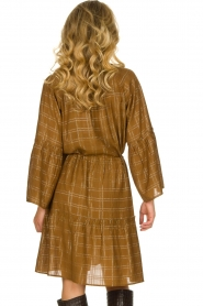 Munthe |  Dress with checkered lurex pattern Deep | camel  | Picture 6