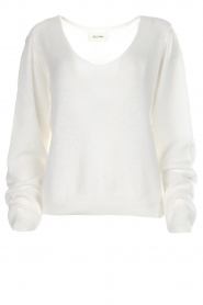 American Vintage |  Knitted sweater with wide neckline Ugoball | white  | Picture 1