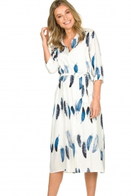 Freebird |  Maxi dress with feather print Victoria | white  | Picture 4