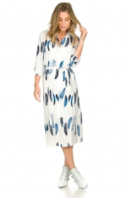 Freebird |  Maxi dress with feather print Victoria | white  | Picture 3