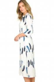 Freebird |  Maxi dress with feather print Victoria | white  | Picture 5