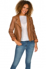 Arma |  Studio Ar leather biker jacket Gomera | camel  | Picture 2