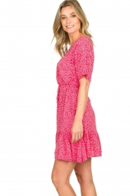 BEACHGOLD | Dress with floral print Betty | pink  | Picture 6