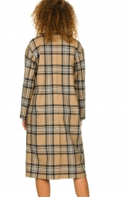 Set |  Long checkered coat Myrna | camel  | Picture 5