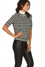 Set    Houndtstooth printed turtleneck sweater Mochi   black & white    Picture 4