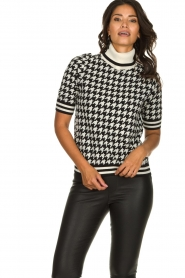 Set    Houndtstooth printed turtleneck sweater Mochi   black & white    Picture 2