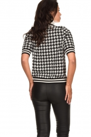 Set    Houndtstooth printed turtleneck sweater Mochi   black & white    Picture 5