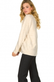 Les Favorites |  Knitted V-neck sweater Fenne | beige  | Picture 5
