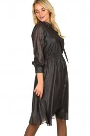 Kocca    Shiny dress Bess   black    Picture 4