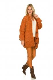 Les tricots d'o | Woolen cardigan Forrest | orange  | Picture 3