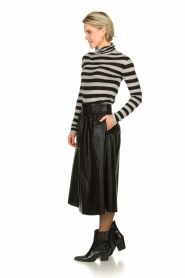 Atos Lombardini |  Faux leather skirt Anita | black  | Picture 3
