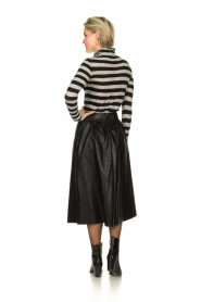 Atos Lombardini |  Faux leather skirt Anita | black  | Picture 4