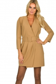 Atos Lombardini |  Blazer dress Carlijn | camel  | Picture 2