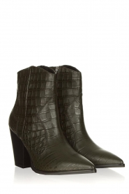 Janet & Janet |  Short leather boots with crocodile pattern Miranda | green  | Picture 3