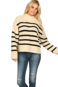 Essentiel Antwerp | Woolen sweater Todern | natural  | Picture 4