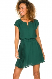 Patrizia Pepe |  Dress with elastic waist Sacha | green  | Picture 2