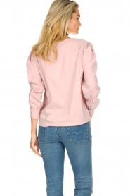 JC Sophie |  Blouse with playfully buttoned cuffs Aukje | pink  | Picture 5