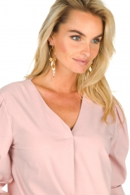 JC Sophie |  Blouse with playfully buttoned cuffs Aukje | pink  | Picture 6