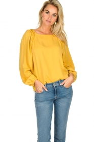 JC Sophie |  Blouse with pleat details Ava | ochre  | Picture 5