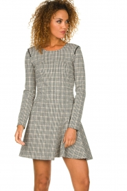 Patrizia Pepe |  Houndstooth printed dress Nora | beige  | Picture 2
