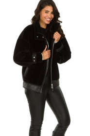 Patrizia Pepe |  Reversible faux lammy coat Nicole | black  | Picture 6