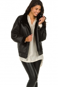 Patrizia Pepe |  Reversible faux lammy coat Nicole | black  | Picture 5