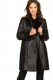 Patrizia Pepe |  Reversible faux lammy coat Eva | black  | Picture 2