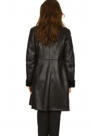 Patrizia Pepe |  Reversible faux lammy coat Eva | black  | Picture 6