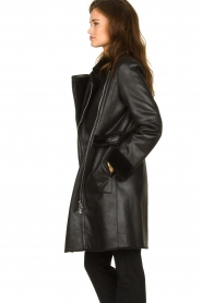 Patrizia Pepe |  Reversible faux lammy coat Eva | black  | Picture 5