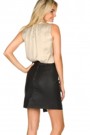 Kocca | Faux leather skirt Vida | black  | Picture 5