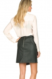 Kocca | Faux leather skirt Vida | green  | Picture 5