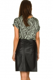 Aaiko |  Faux leather skirt with belt Patia | black  | Picture 5