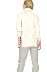 ELISABETTA FRANCHI | Knitted sweater Charlotte | natural  | Picture 5