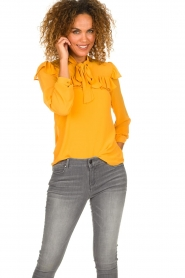 Fracomina |  Blouse with ruffles Winnie | yellow  | Picture 4