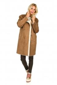 OAKWOOD |  Coat with lammy lining Leonie | camel  | Picture 7