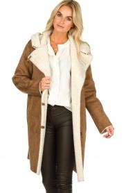 OAKWOOD |  Coat with lammy lining Leonie | camel  | Picture 4